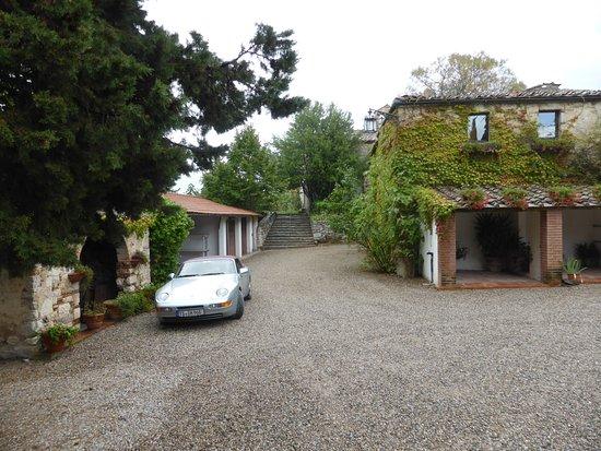 Ricavo, Italien: Innenhof vom Borgo