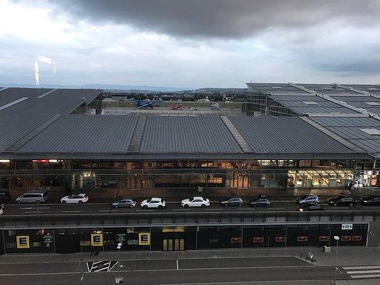Movenpick Hotel Stuttgart Airport & Messe: photo0.jpg