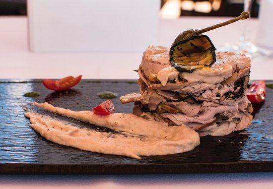 Osteria Balsamico : Millefoglie de Vitello Tonnato et courgettes grillées
