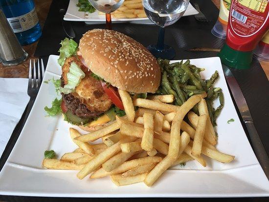 Joigny, Γαλλία: Très bonne adresse que je connaissais déjà. Très bon rapport qualité/prix, fan des burgers, je m