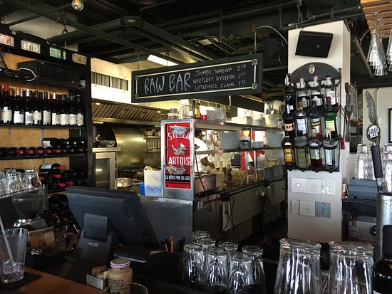 Ross' Grill: The Open Kitchen and Bar