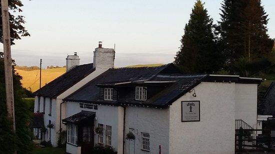 New Radnor, UK: Fab views at front