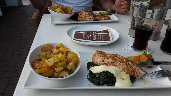 Bensersiel, Alemania: 20160724_210508_large.jpg