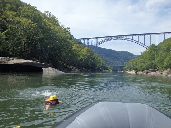 Oak Hill, Западная Вирджиния: View of the New River Gorge Bridge -- a worthwhile tourist endeavor of its own.