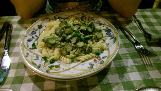 Il Corso: Lovely courgette pasta dish