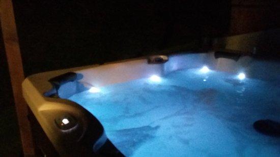 Bleddfa, UK: Hot tub