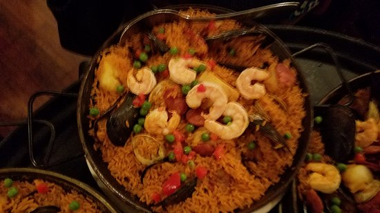 Williston Park, NY: Paella and food from Spain.