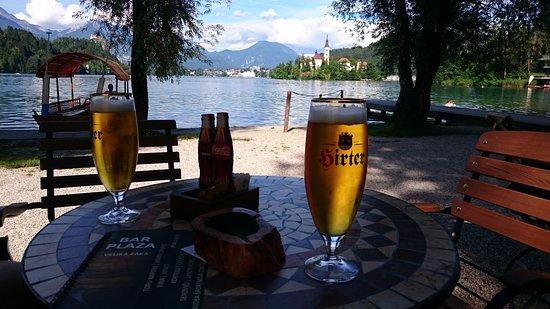 Plaza Bar: Belle vue sur le lac