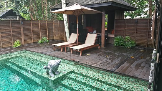 Anantara Mai Khao Phuket Villas: The day bed is great to relax and read a book, I just lay and listened to the rain, awesome