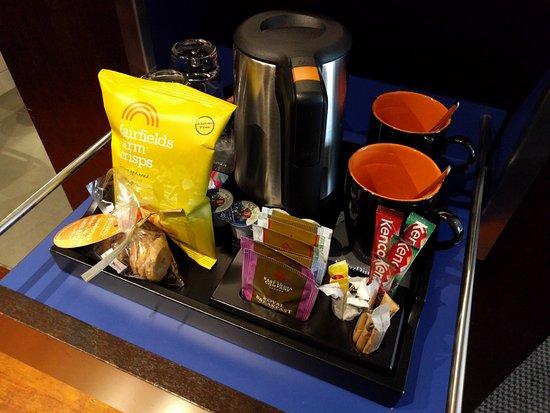 Andaz London Liverpool Street: Mini-bar, free snacks