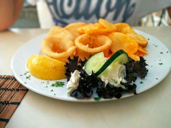 Schwaig bei Nuernberg, Almanya: Butterzart: die Calamares.