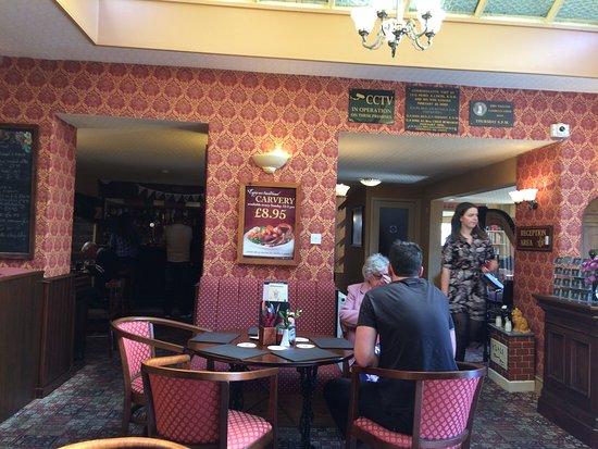 Maentwrog, UK: The bar/seating area