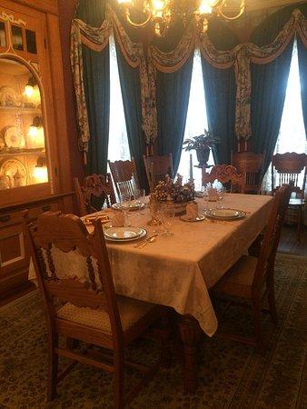 Salem, IN : Brunch and birthday dinners.