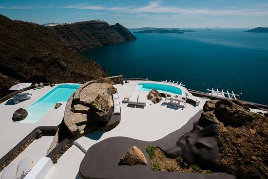 Aenaon Villas: Caldera views