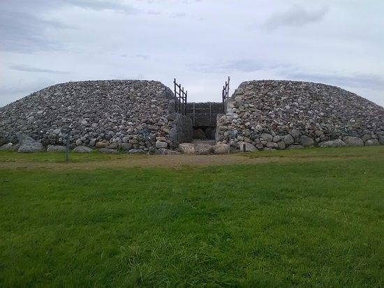 写真Carrowmore Megalithic Cemetery枚