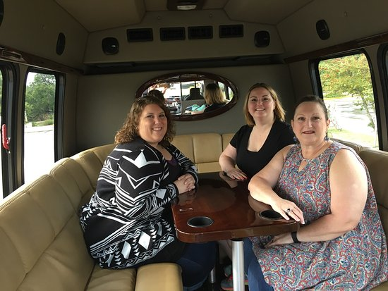 Wimberley, TX: Our winery tour was absolutely awesome