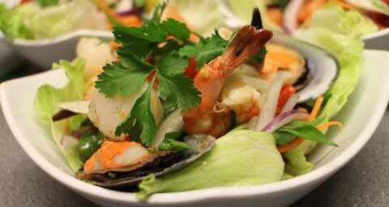 Pimlico Thai : Spicy Thai Salads, Sweet tamarind crispy Fish & Thai Iced Teas