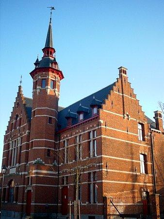 Sincfala: Museum van de Zwinstreek: De voorgevel