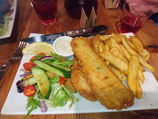 Glenelg, Australia: Whiting fish and chips with generous serving of salad