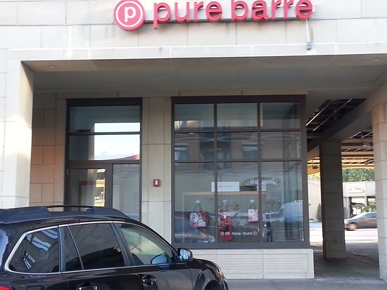 พาร์คริดจ์, อิลลินอยส์: entrance to Pure Barre