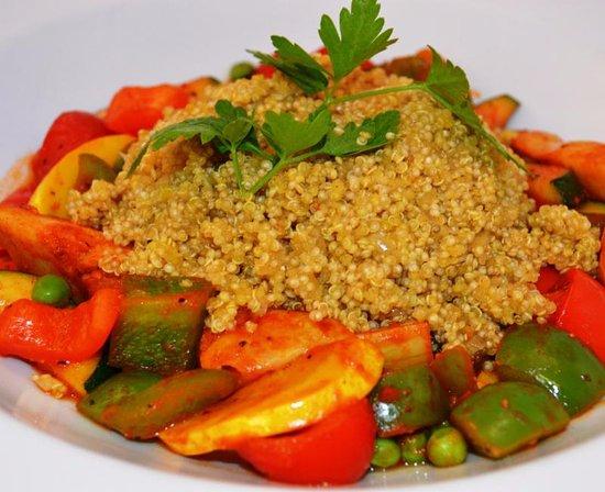 Glen Ellyn, IL: Quinoa Paella