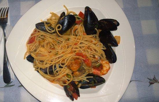 Taverna Arkoudas : Seafood pasta