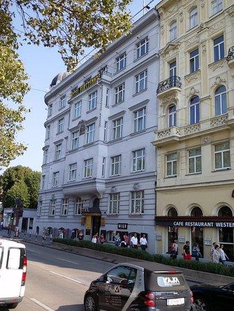 Hotel Furstenhof: Фасад отеля