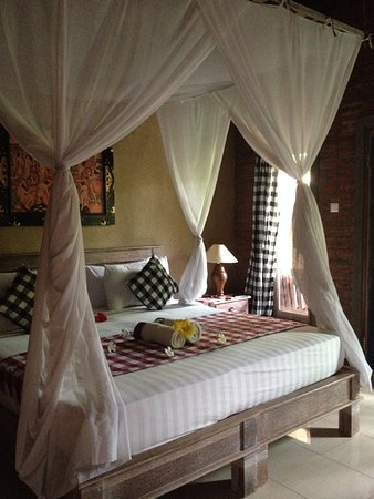 Sudi Guest House: room