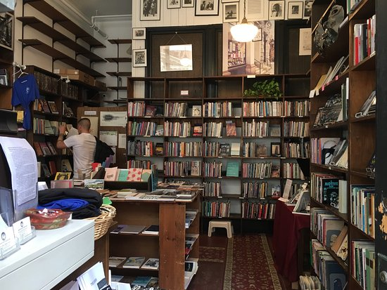 ‪Grolier Poetry Book Shop‬