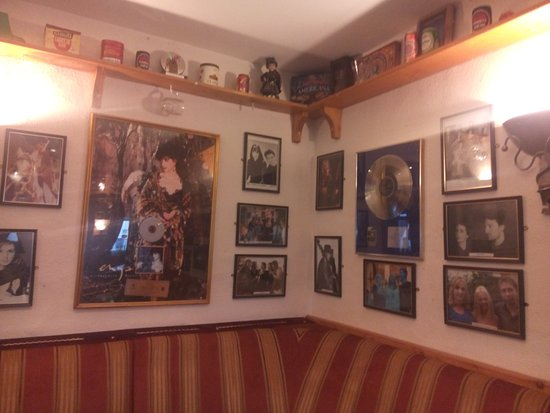History of Enya, Leo's Hotel, Crolly - Co. Donegal
