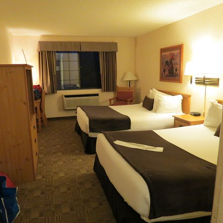 Steamboat Mountain Lodge : Our 2 queen bed room