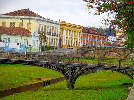 Palácio da Liberdade: Ponte na cidade de São João Del Rei, Minas Gerais.