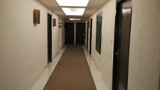 The Metropole Hotel: IMG_20160918_210924_large.jpg