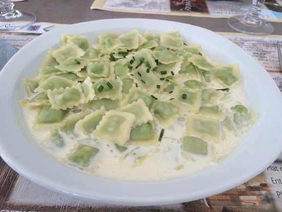 Pont en Royans, França: local cheese and parceley ravioli