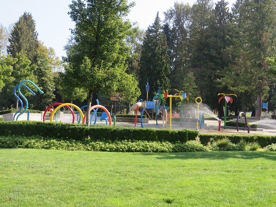 Port Moody, Canada: The water park