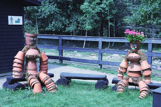 Saint Andrews, Canadá: Comical flower pot sculpture