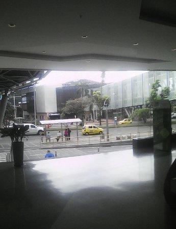 Mayorca Mega Plaza: esterior y vista de los puentes