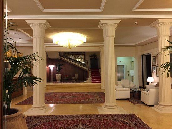 Sauna finlandese- grotta di bagno turco-interno salone hotel ...