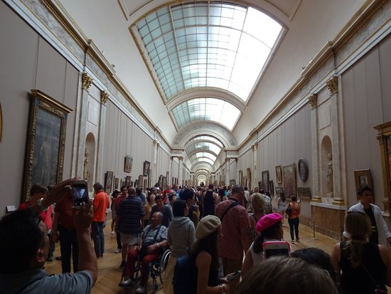 Museu do Louvre: The floor where the Mona Lisa is located, I really had to fight through the crowd
