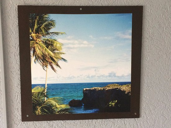 Holetown, Barbados: very nice picture on the wall in the room
