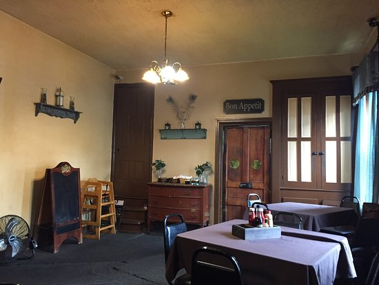 Bath, PA: Dining room