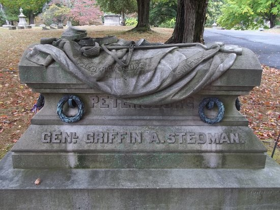 Cedar Hill Cemetery: Famous War General's Grave