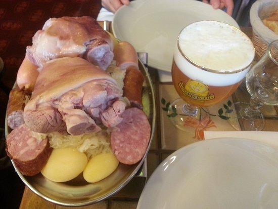 Restaurant brasserie kanterbrau dans la valette du var avec cuisine fran aise for Comcuisine plus la valette