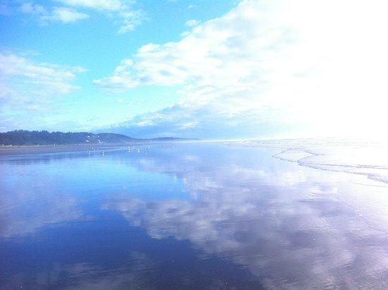 Moclips, WA: Blue sand, sea, sky