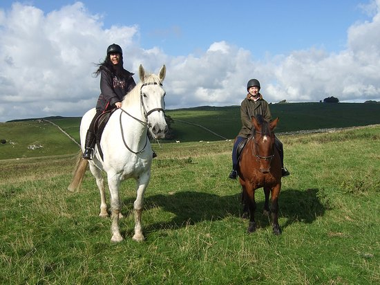 Tissington, UK: Riding Ben and Blue in the beautiful Peak District