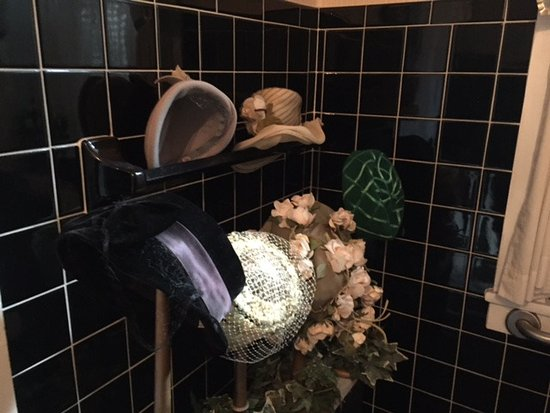 Carrollton, OH: still more hats in bathroom