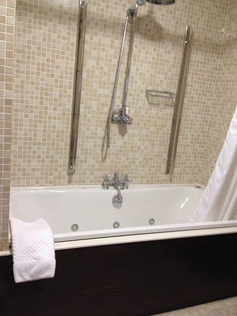 Langton House Hotel: Langton House, Kilkenny, Bathroom