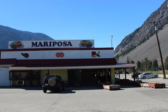 Mariposa Fruit Stand