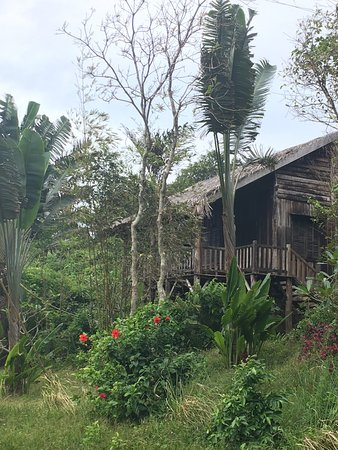 Mango Bay Resort: Photos from our weekend here. We stayed in Bungalow P18 (a 2-bedroom, 2-story bungalow with see