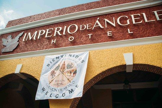 Imperio de Angeles: La entrada